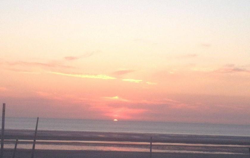 Location de vacances - Appartement à Le Touquet-Paris-Plage - Le soleil se couche face à vous tous les soirs ..