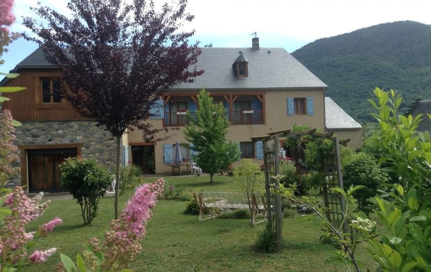 Location de vacances - Chambre d'hôtes à Guchen - La maison en été