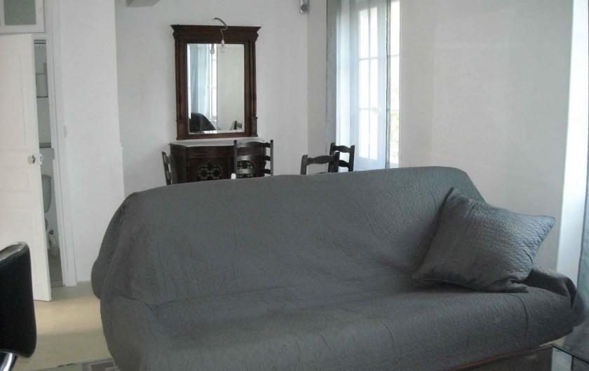 Location de vacances - Villa à Tourrettes - Vue sur la salle à Manger