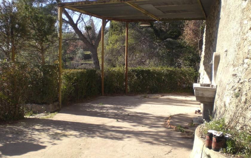 Location de vacances - Villa à Tourrettes - Vue sur la Terrasse