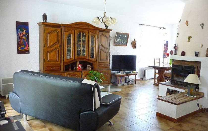 Location de vacances - Villa à Six-Fours-les-Plages - Salon avec cheminée