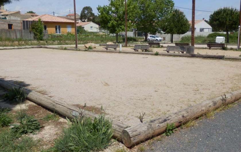 Location de vacances - Villa à Saint-Génies-de-Fontedit - Boulodrome au village