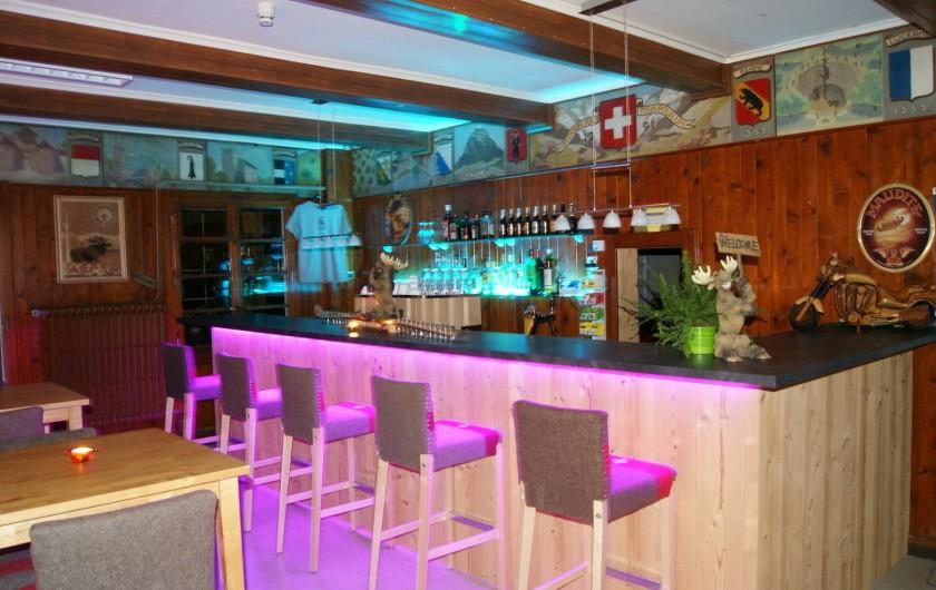 Location de vacances - Hôtel - Auberge à Villars-sur-Ollon - Bar intérieur