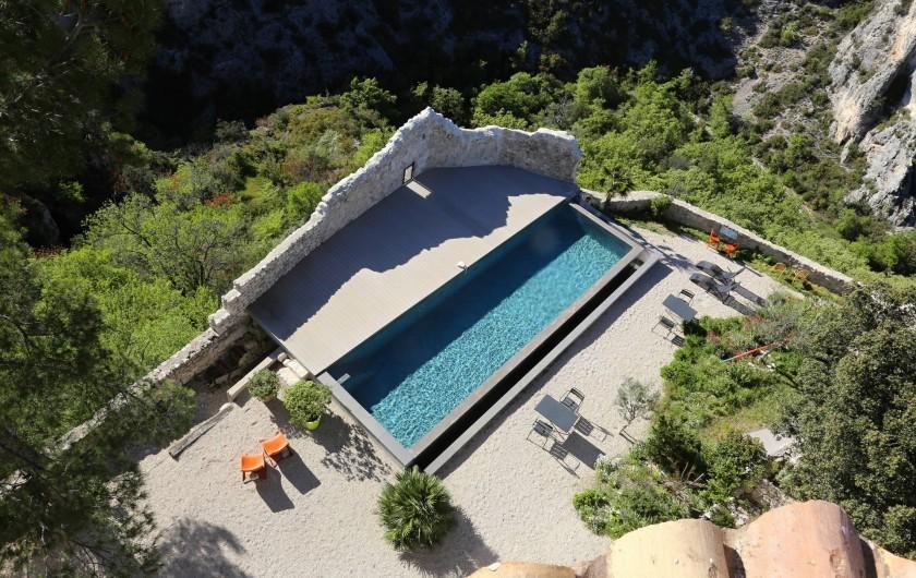Location de vacances - Chambre d'hôtes à Méthamis - Metafort, perchée sur les gorges de la Nesque