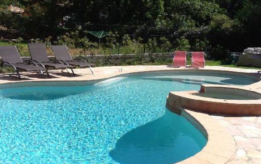 Location de vacances - Villa à Lorgues -  trés belle piscine chauffée  avec jacuzzi