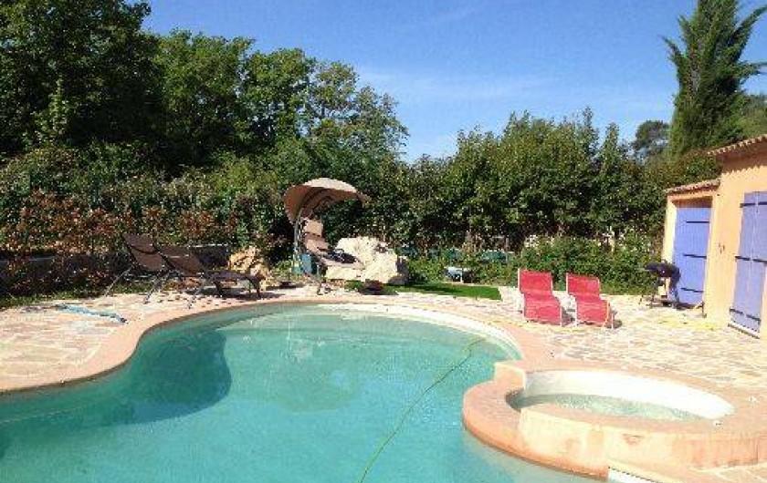 Location de vacances - Villa à Lorgues - autour de la piscine  grande terrasse