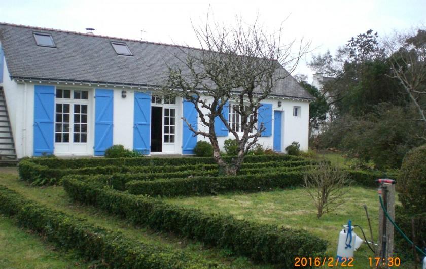 Location de vacances - Villa à Carnac - Façade principale donnant sur le jardin en hiver