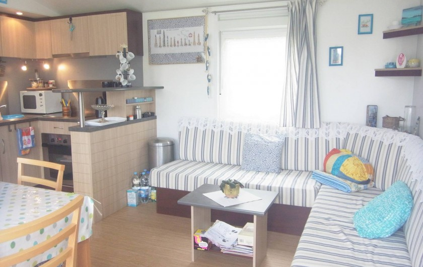 Location de vacances - Bungalow - Mobilhome à Plouhinec - Salon mobilehome