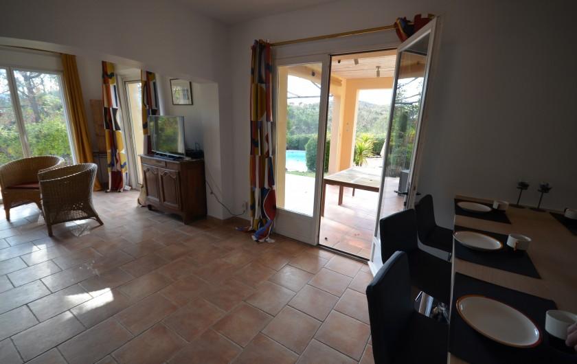 """Location de vacances - Villa à Saint-Raphaël - chambre """"l'olivier"""""""