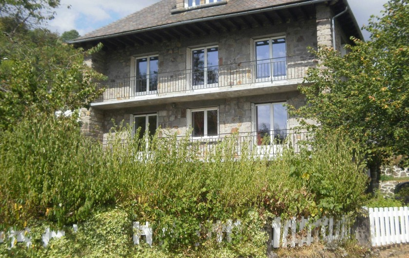 Location de vacances - Gîte à Saint-Jacques-des-Blats - EXTERIEUR