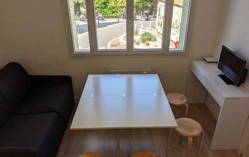 Location de vacances - Appartement à Cassis - table ouverte