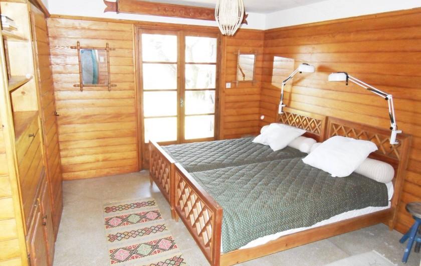Location de vacances - Chalet à Saint-Bonnet-en-Champsaur - Chambre 15 m2 N°8 rez de jardin