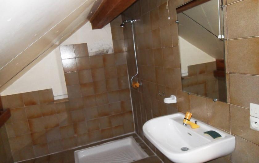 Location de vacances - Chalet à Saint-Bonnet-en-Champsaur - Salle de bains  (2 ém étage)