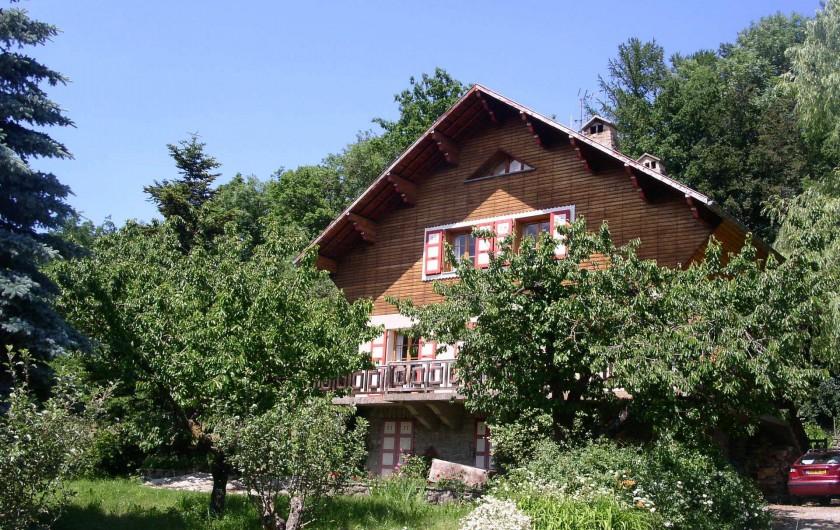 Location de vacances - Chalet à Saint-Bonnet-en-Champsaur - Chalet en été