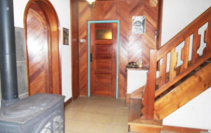 Location de vacances - Chalet à Saint-Bonnet-en-Champsaur - Hall escalier d'accès au 1 ér  étage