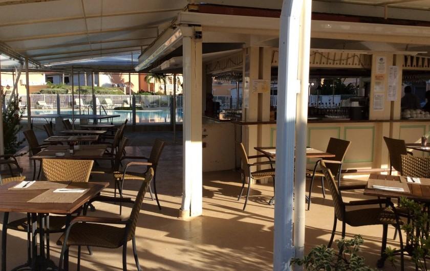 Location de vacances - Studio à Baie Nettlé - Le bar ti case et son délicieux restaurant