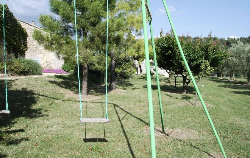 Location de vacances - Gîte à Vinsobres - Zone de jeux - Balançoires - Échelles - Toboggan