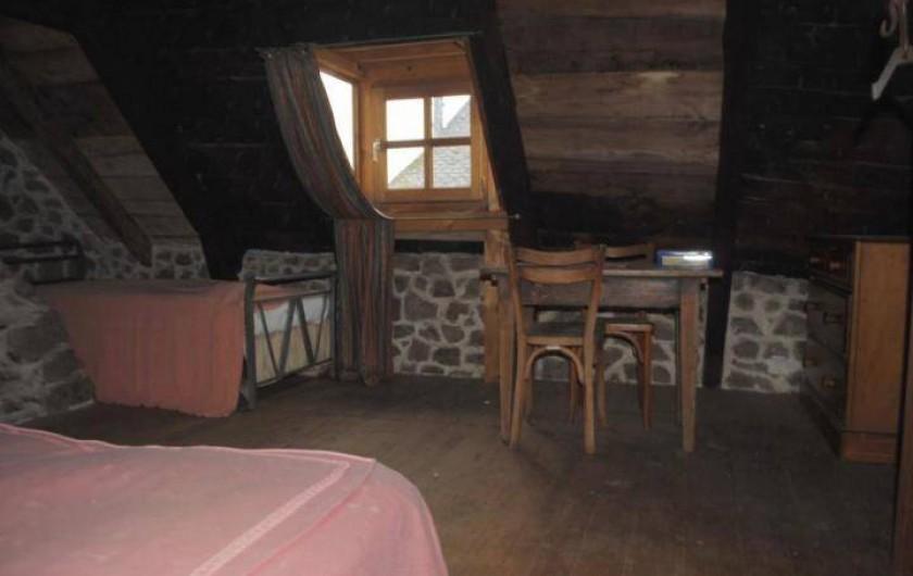 Location de vacances - Gîte à Florentin-la-Capelle - Chambre 2 (à l'étage)
