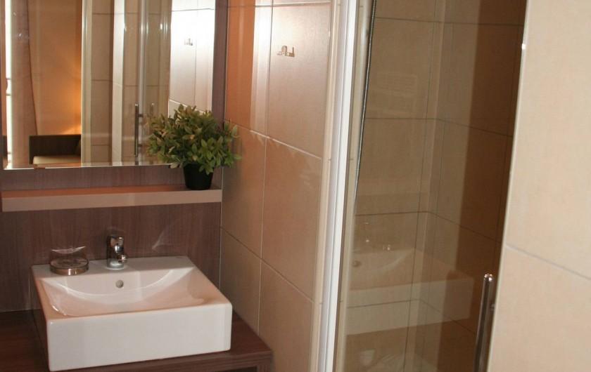 Location de vacances - Studio à Aix-en-Provence - Salle de douche