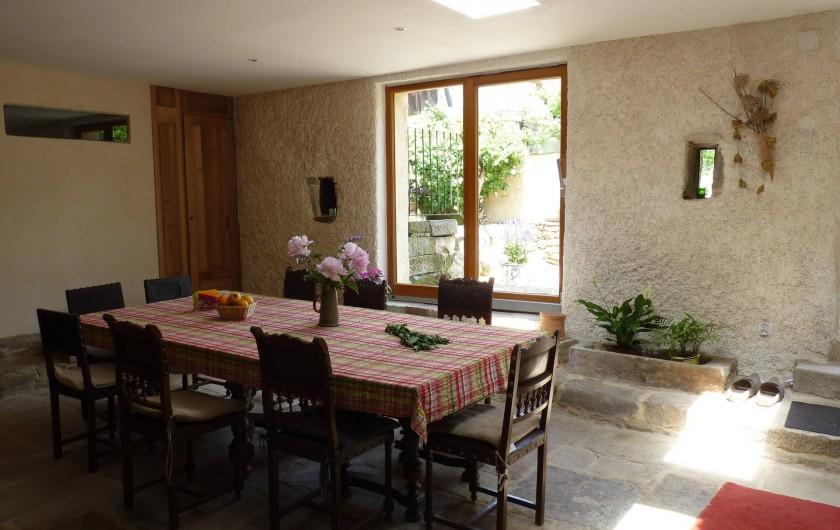 Location de vacances - Chambre d'hôtes à Bertrambois - La salle à manger.