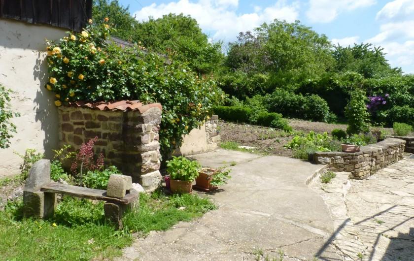 Location de vacances - Chambre d'hôtes à Bertrambois - Accès au jardin