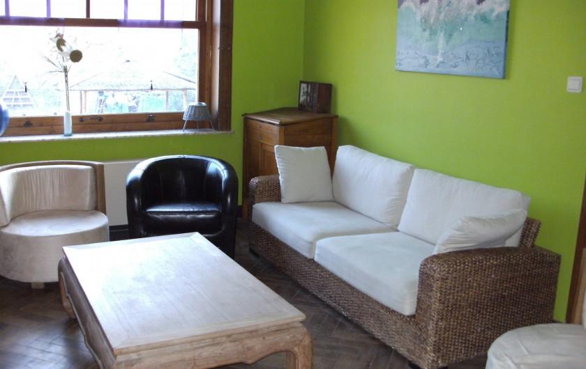 Location de vacances - Gîte à Ouffet - coin apéritif et pause café du restaurant