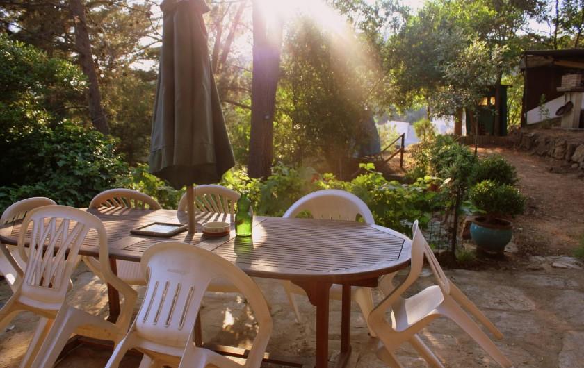 Location de vacances - Maison - Villa à Pietrosella - Un des coins repas possible...