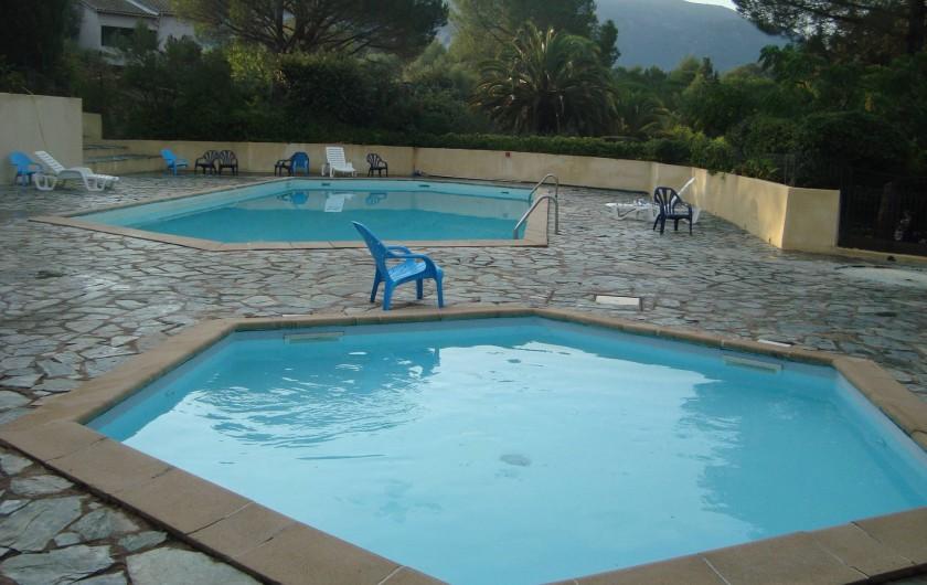 Location de vacances - Villa à Saint-Florent - Piscine à partager avec bassin enfants