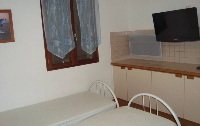 Location de vacances - Villa à Saint-Florent - Chambre enfants avec télévision