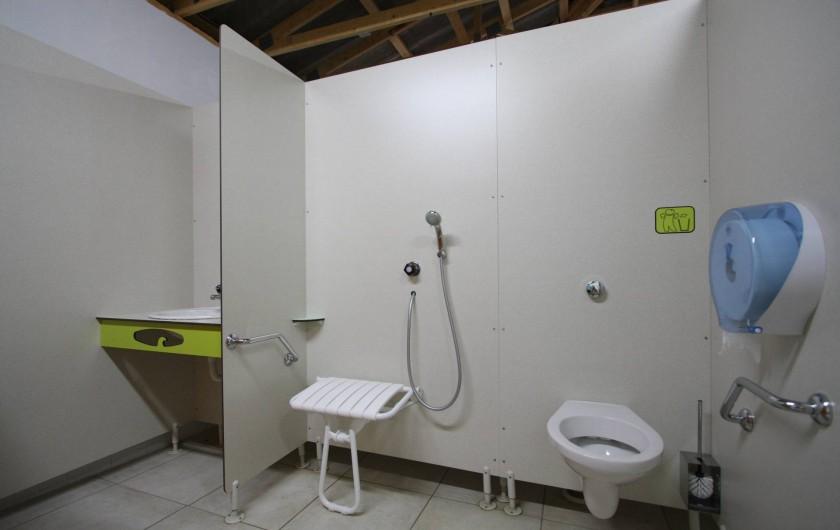 Location de vacances - Bungalow - Mobilhome à Calvi - sanitaire PMR