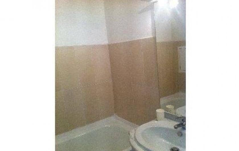 Location de vacances - Studio à La Foux d'Allos - salle de bain