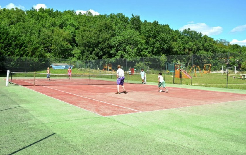 Location de vacances - Chalet à Mauroux - Court de tennis