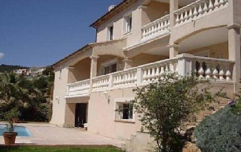 Location de vacances - Villa à Les Issambres - FACADE COTE COLLINE ET MER