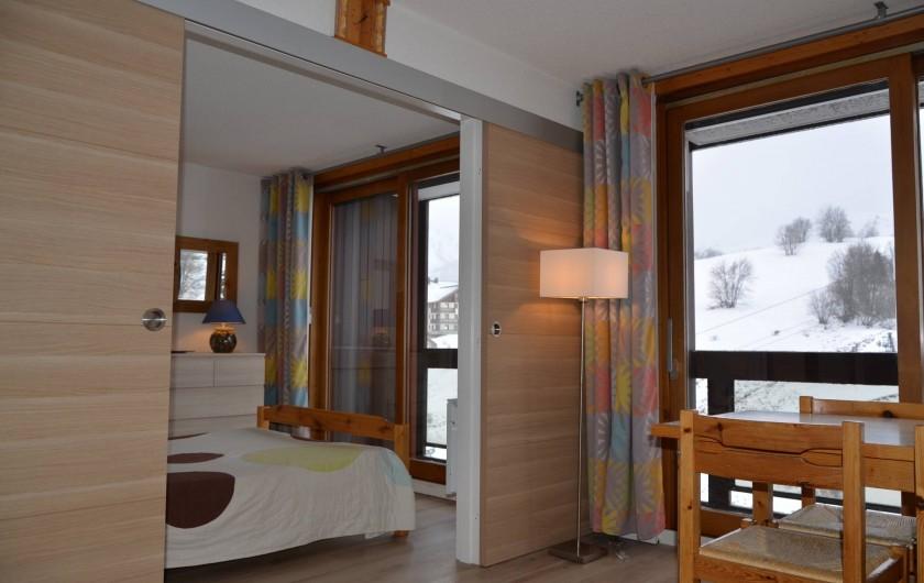 Location de vacances - Appartement à Le Corbier - séjour et chambre