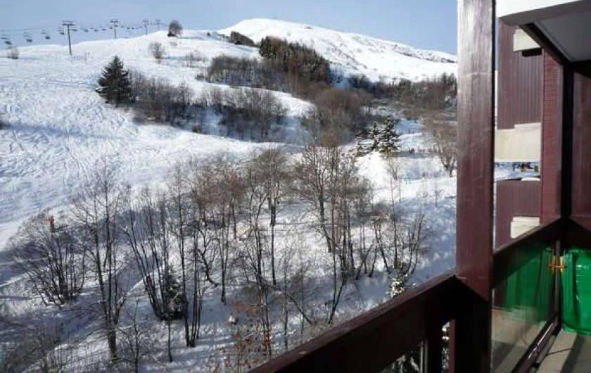 Location de vacances - Appartement à Le Corbier - vue sur pistes et mont Corbier