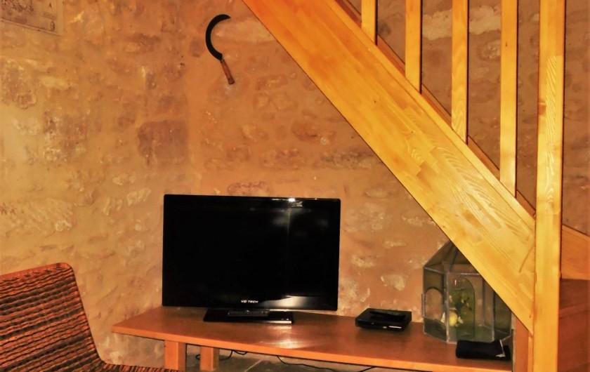 Location de vacances - Maison - Villa à Saint-Rémy-de-Provence - Télévision écran plat 81 cm et lecteur DVD