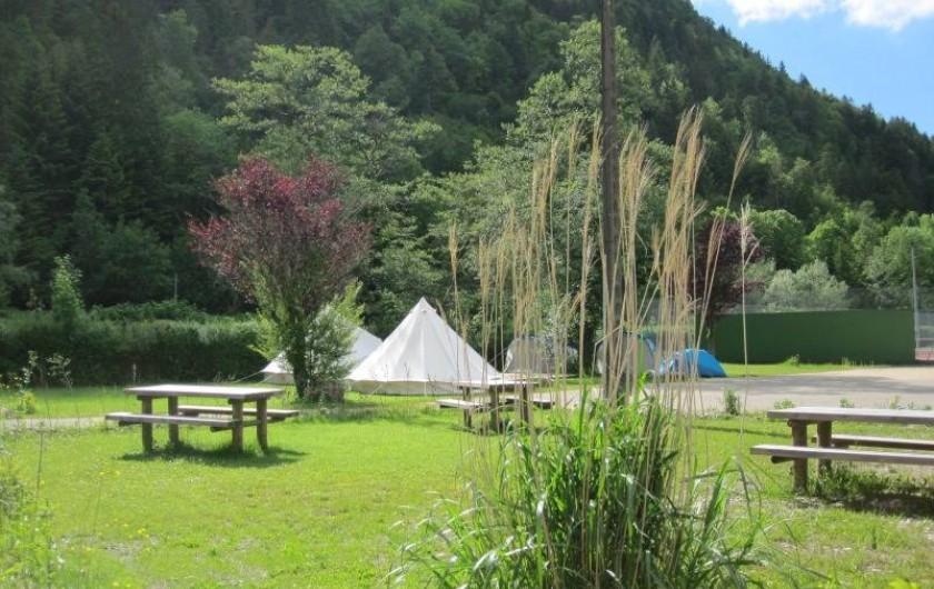 Location de vacances - Bungalow - Mobilhome à Nantua - Espace pique-nique
