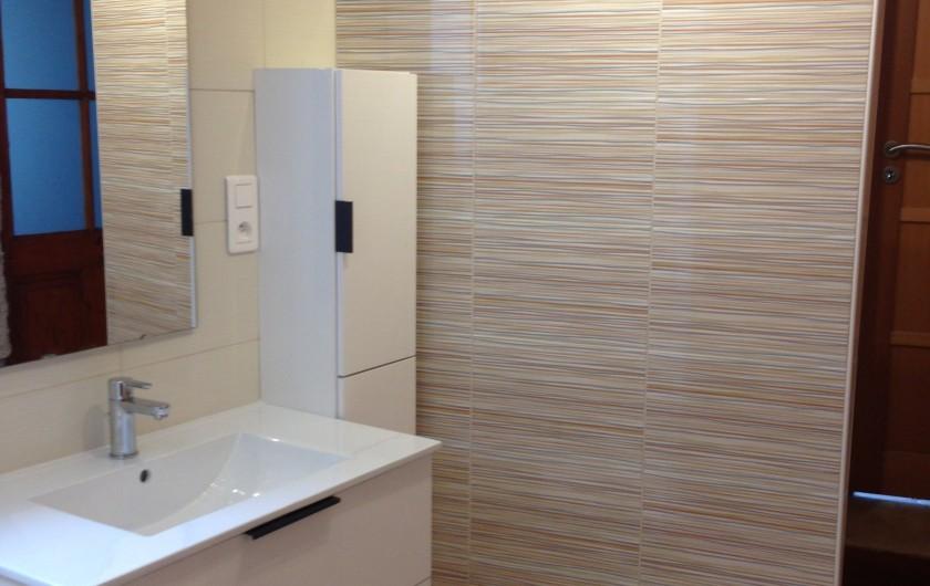 Location de vacances - Maison - Villa à Saint-Julien-Labrousse - les moutons du voisin viennent paître devant la terrasse