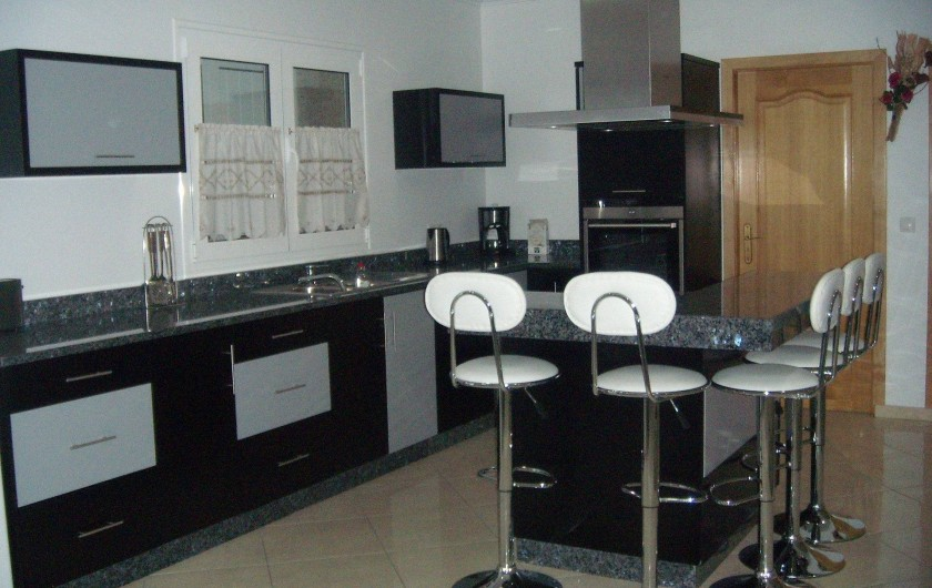 Location de vacances - Villa à Cabeceiras de Basto - Cuisine ouverte sur sejour