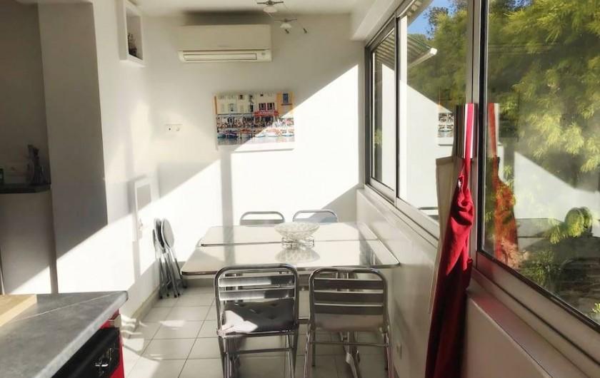 Location de vacances - Appartement à Cassis - CUISINE VERANDA