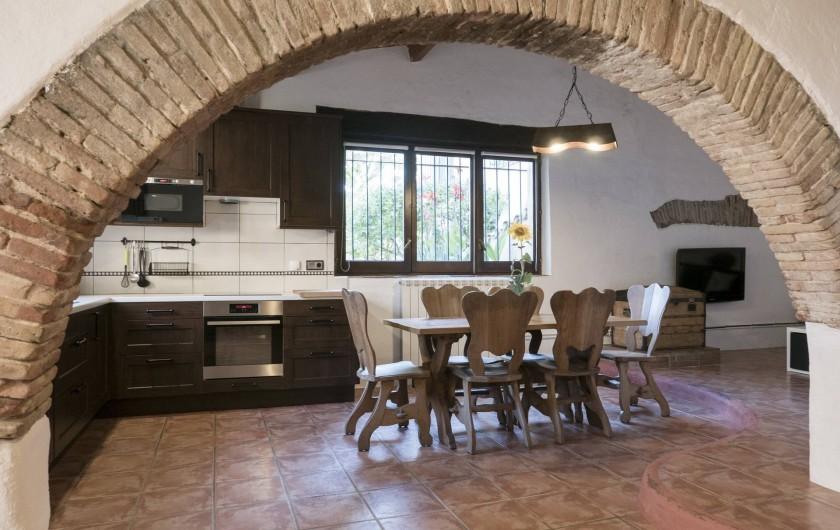 Location de vacances - Appartement à Castelló d'Empúries - Salle à manger et cuisine