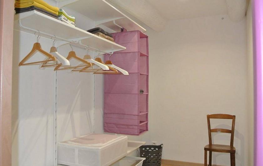 Location de vacances - Appartement à Caderousse - Le dressing