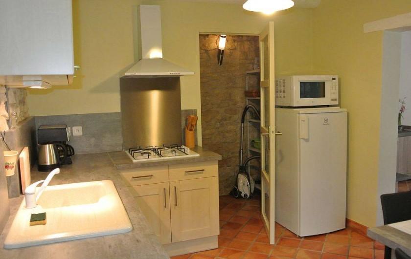 Location de vacances - Appartement à Caderousse - La cuisine intégrée