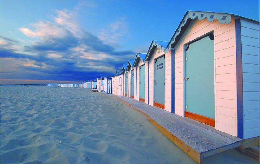Location de vacances - Gîte à Widehem - Cabines de plage sur le sable de la Côte d'Opale