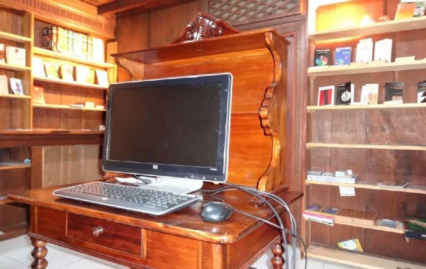 Location de vacances - Villa à Bouillante - Bibliothèque et Accès internet