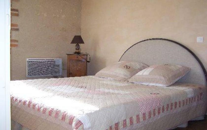 Location de vacances - Gîte à Dierre - Chambre avec lit en 160