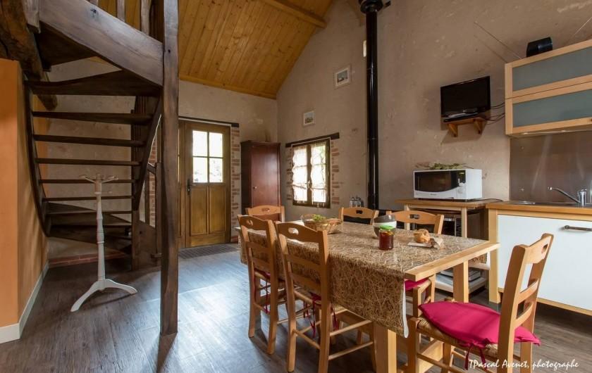 Location de vacances - Gîte à Dierre - Salle à manger: vue sur l'entrée