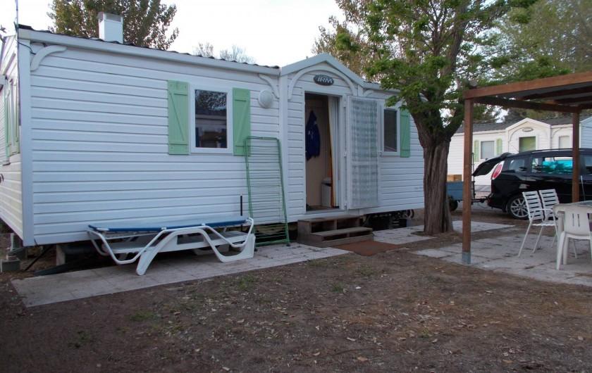 Location de vacances - Bungalow - Mobilhome à Saint-Aygulf - extérieur coin détente
