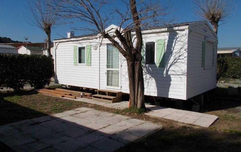 Location de vacances - Bungalow - Mobilhome à Saint-Aygulf - extérieur droit hivers