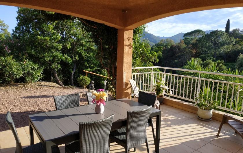 Location de vacances - Villa à Favone - Vue à l'entrée dans la villa